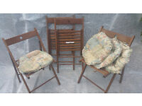 4 Wood Foldable Chairs with Cushions