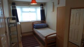 WELL PRESENTED STUDIO ANNEX FLAT IN WEST DRAYTON. ALL INCLUSIVE!!