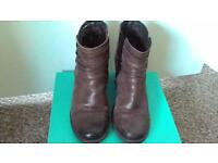 CLARKS BROWN LEATHER HEELED ANKLE BOOTS SIZE 5