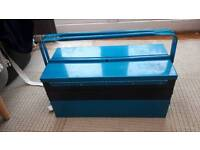 Cantilever blue tool box