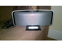 Iwantit IW500 Iphone dock with an adapter, in good condition