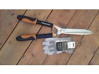 Fiskars Hedge Shears and Briers Gloves