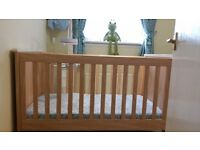 Mamas & Papas Murano Cot/Cot Bed & Changing Unit with Extras