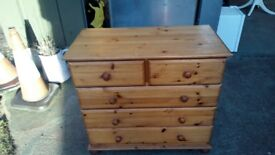 chest off drawers