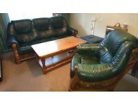 Living room furniture 5 pieces £150 . Needs to go now !!!!!
