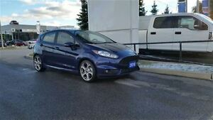 2016 Ford Fiesta (5) ST **POWER MOONROOF**