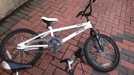 Good condition white spike bike