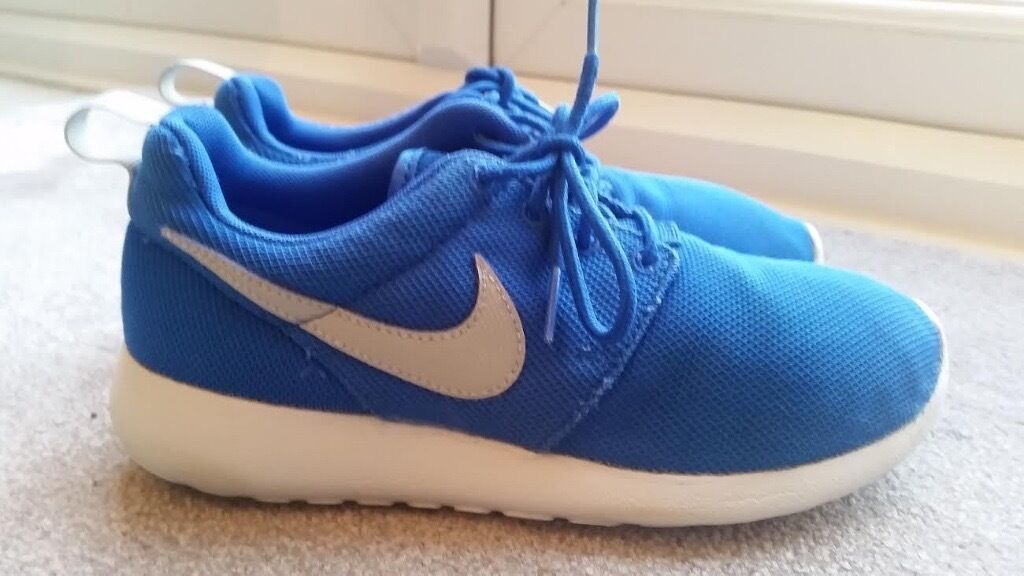 doymg Nike Roshe Run Size 4 | in Folkestone, Kent | Gumtree