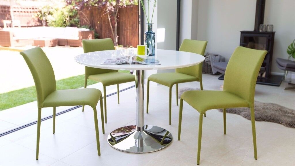 Brand New - Very High Quality Naro Round 4 Seater White Gloss Table 110cm