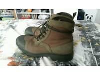 Men's Boots (size 9 UK)