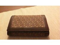 AUTHENTIC DKNY LEATHER/MATERIAL PURSE