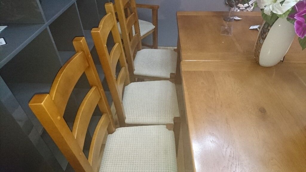 Dining Table 5 Chairs and a bench extends 2030 7ft 7 length 1080 3ft ...