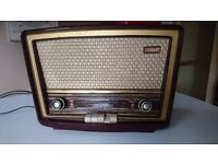 VINTAGE 1950/60S STELL MAINS VALVE TABLETOP RADIO BAKELITE CASE PIANO STYLE PUSH BUTTON CONTROLS GWO