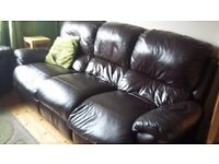 BROWN LEATHER LAZY BOY 3 PIECE RECLINING SUITE