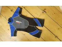 Child's wetsuits age 3-4 (22inch)