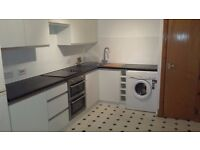 Modern, split level, main door 2 bedroom flat - near motorway network/city centre