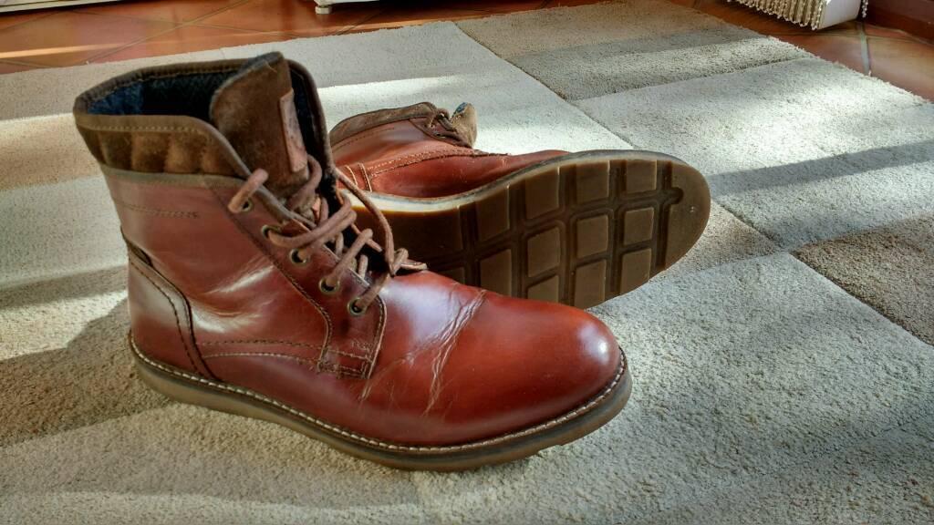 Burtons men's boots size 8
