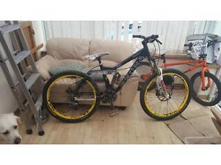 Kona Stinky Freeride Downhill Mountain Bike