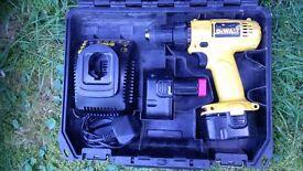 (DeWALT) 12 volt Cordless Screwdriver with 2 x batteries, charger & carry case