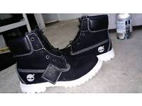 MINT CONDITION TIMBERLAND BOOTS