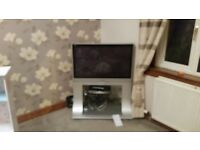 40 inch TV with stand