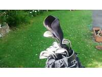 Complete gents golf club set incl shoes, glove, balls, perfect for beginners set