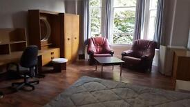 DOUBLE ROOM / BEDSIT, SEFTON PARK in Shared House incl all bills & internet