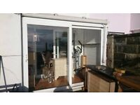 WHITE PVC SUMMER ROOM 8FT X 4FT TWIN WALL POLYCARBONATE ROOF 2 X SINGLE DOORS