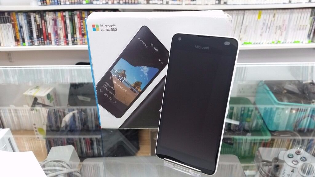 Microsoft Lumia 550 Boxedin Headingley, West YorkshireGumtree - Microsoft Lumia 550 in box like new condition. Windows 4.7 inch screen 4G LTE Quad Core Processor. Do$h Shop 14 Hyde Park Corner Leeds LS6 1AF T 0113 3451101 or you may email us from Gumtree. Opening times are Mon Sat 10 00 am 5 00 pm