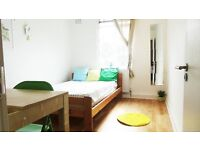 Large double room in 3 bed flat in Holloway