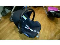 Maxi Cosi Cabriofix car seat with Isofix base