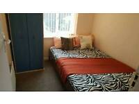 Medium.room on biscot road for £425 pm