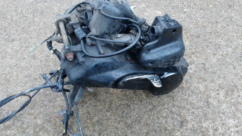 peugeot speedfight/vivacity 50cc engine in bits and parts | in
