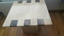 Marble table's