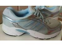 Adidas Vanquish trainers size 7