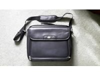 """As new Targus 16"""" laptop case with brand new Targus wireless optical mouse"""