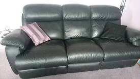3-seater black leather powered-recliner sofa