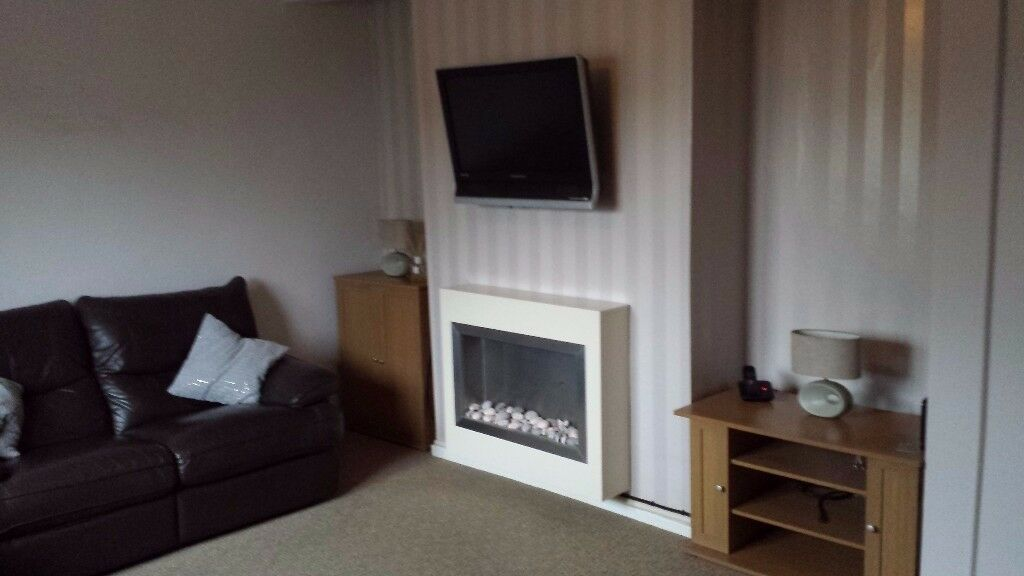 3 double bedroom flat with enclosed gardens in Monifieth
