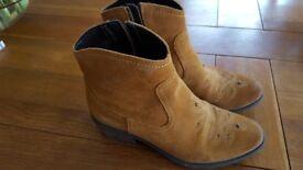 Girls clarks boots
