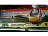 Hornby R1155 Virgin Trains Pendolino 00 Gauge Electric Train Set