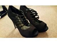 Ladies Black Shoes - Size 7