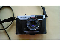 Olympus Trip 35 mm camera and case