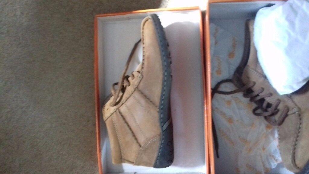 Men's Casual Shoes Size 10