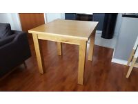 Extendable Oak / Oak Veneer Dining Table and 4 folding chairs