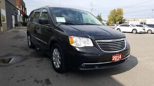 2014 Chrysler Town & Country DUAL AIR/HEAT-BACK UP CAMERA-PWR LI Windsor Region Ontario image 6