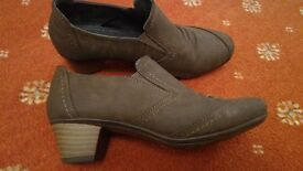 Casual shoes, low heel, size 4, brown/grey, like new