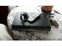 Sky hd box + remote