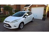 White Ford Fiesta Zetec, 2012 1.2cc 32k Miles, 1 Family, Appearance Pack, Auto-lights, Bluetooth
