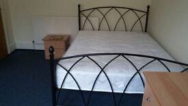 London - Room in a share house with 3 professionals, £600.00/month inc. bills, East Ham