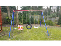Grden swing with baby, tyre and flat seat
